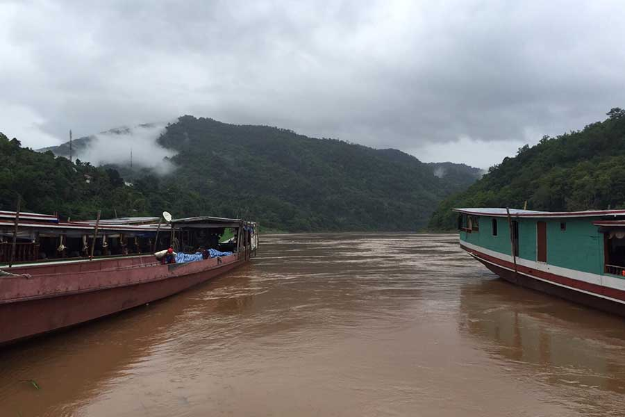 travelling Laos on the Mekong River from Pai to Laung Prabang